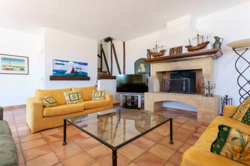 Provençal style living room
