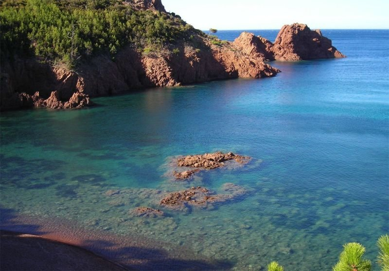 Hidden beach in the Esterel