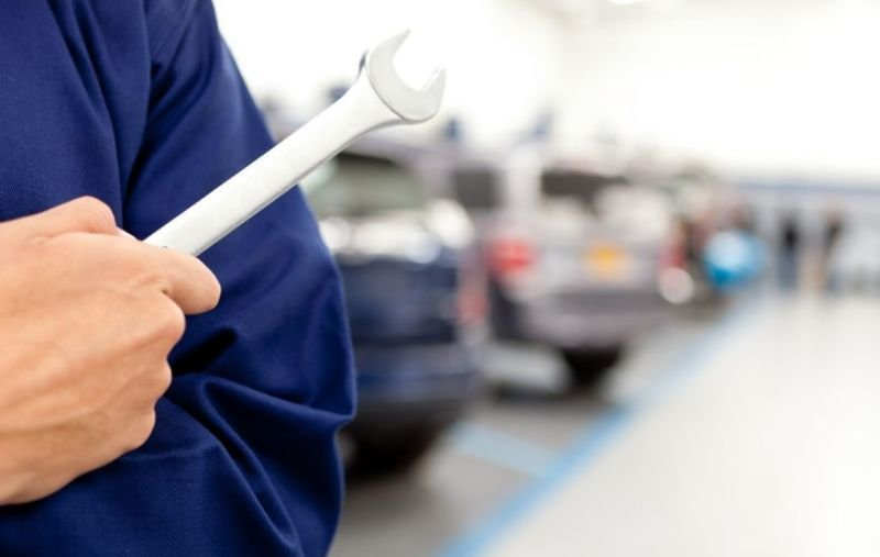Choosing For The Right Auto Repair Services - Factors That You Have To Consider