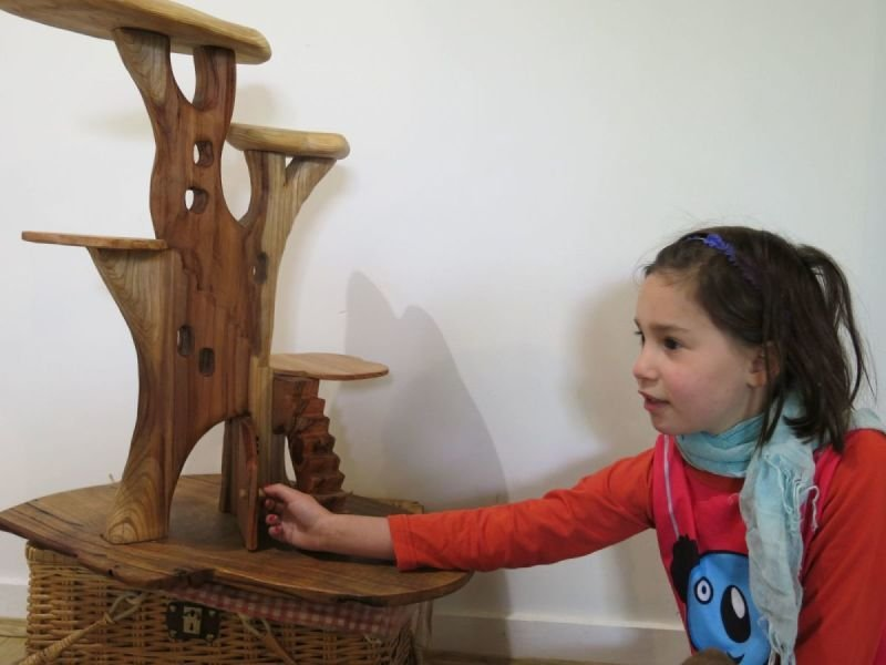 Tree house play stand