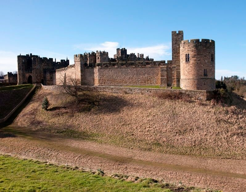 The Archives of the Duke of Northumberland at Alnwick Castle