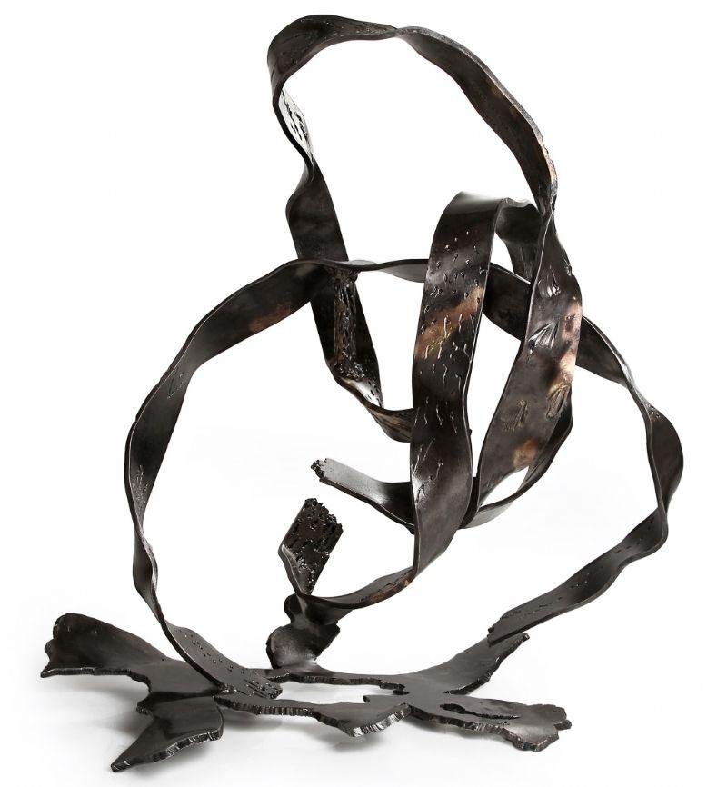 פיסול בברזל. טכניקה: נפחות מודרנית פסל ברזל רמי אטר, פסל, שותף בסדנה, טכניקה מעורבת של נפחות מודרנית.