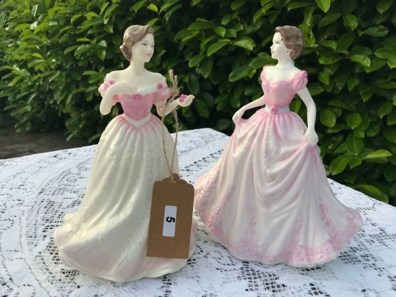 Lot 5 - Pair of Royal Doulton Figurines - £20 to £30