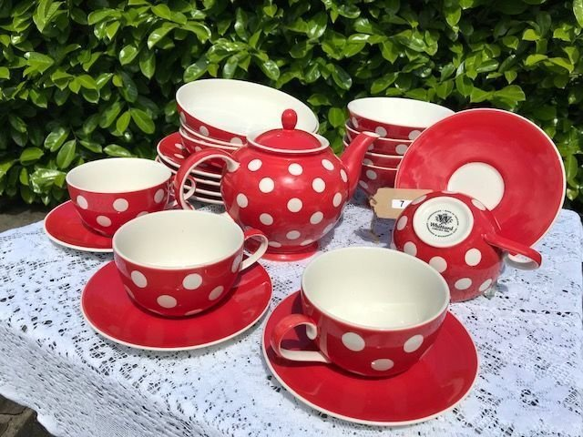 Lot 7 - Whittards of Chelsea Red Polka Dot Dinner & Tea Set - £30 to £40