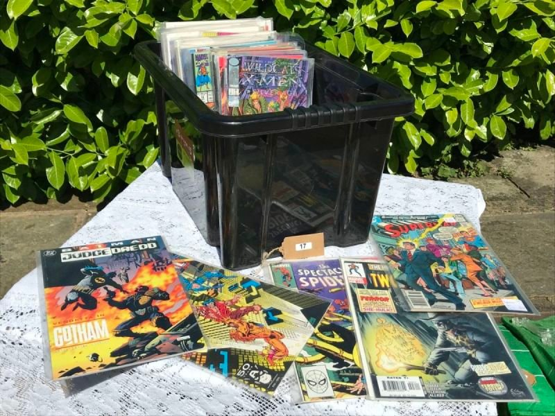 Lot 17 - Collection of Marvel & DC Comics - £30 to £40