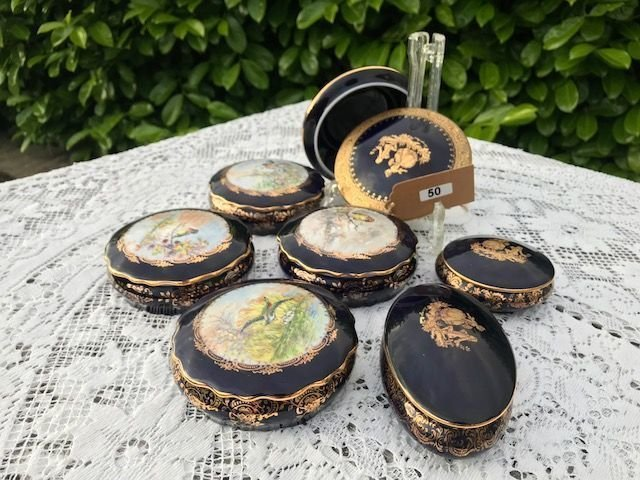 Lot 50 - Collection of Lidded Limoges Gold Blue Jars - £20 to £30