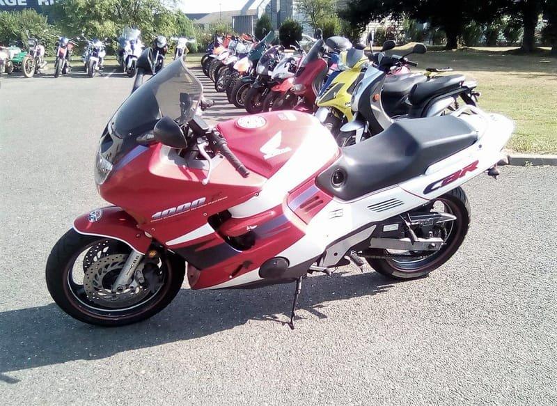 HONDA 1000 CBR