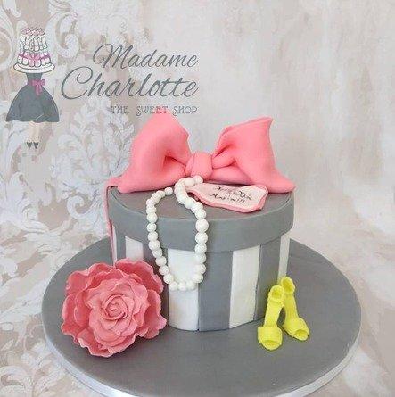 τούρτα απο ζαχαρόπαστα γόβα ζαχαροπλαστείο καλαμάτα madame charlotte, birthday cakes 2d 3d confectionery patisserie kalamata