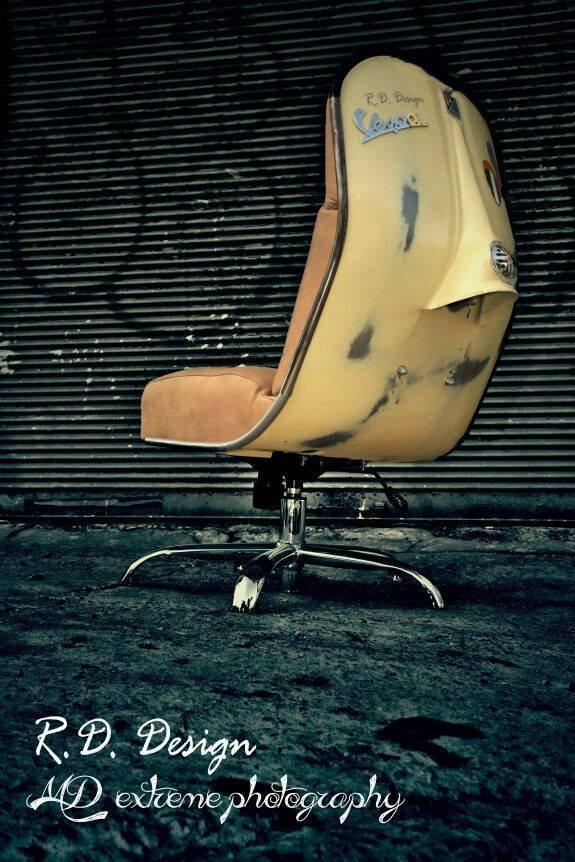 ווספה ישנה יכולה להפוך לכיסא/כורסה.