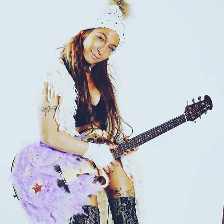 SARAH JHONES, Blues Rock Et Soûl.