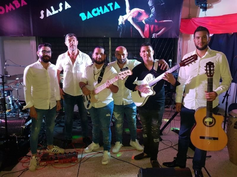 FLAMENCUBA, Salsa( bachata/merengue,salsa) Gipsy ( rumba, flamenco)
