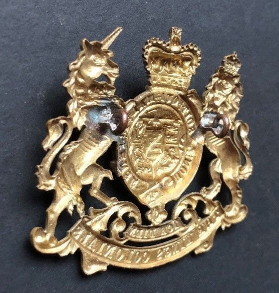 First Pattern Regimental Headdress Badge - Genuine