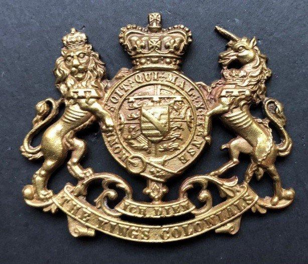 First Pattern Regimental Headdress Badge - Copy