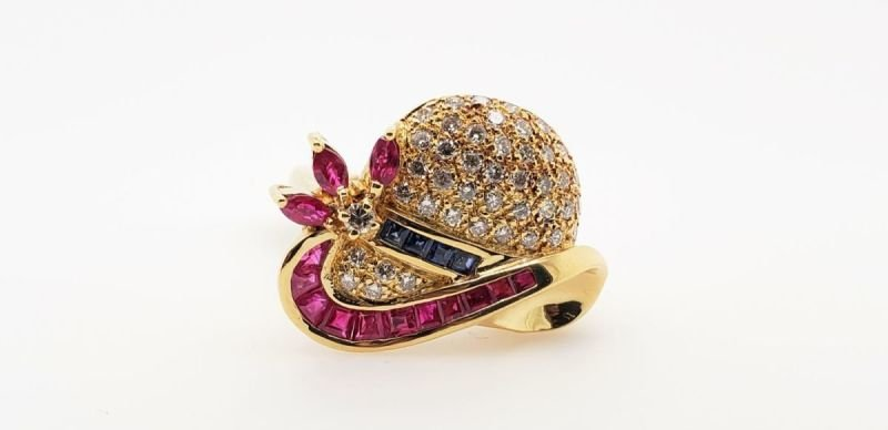 ESTATE RING WITH RUBY, SAPPHIRE AND DIAMONDS