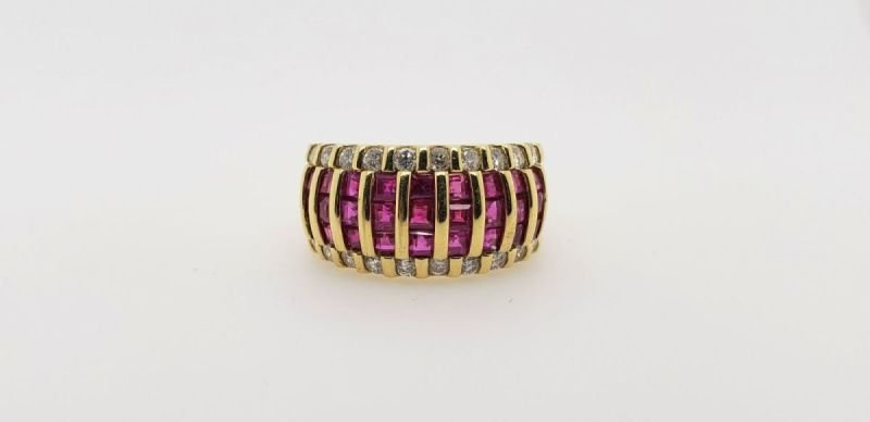 ESTATE RING WITH RUBY & DIAMONDS