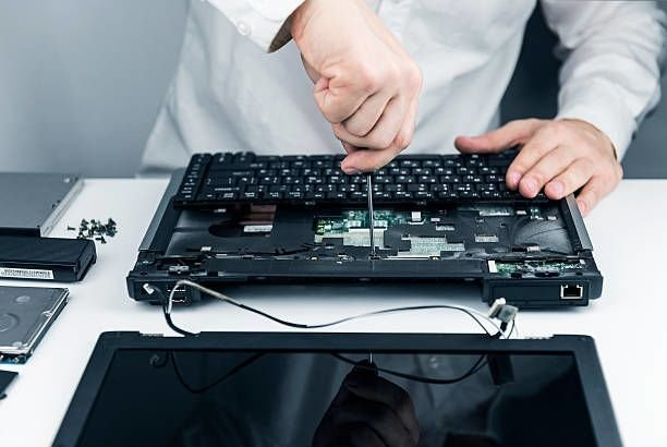 How to Properly Choose the Right Computer Repair Technician