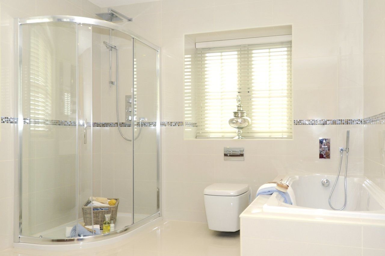What You Need To Know When Choosing Shower Door And Glass Services