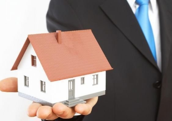 Factors to Consider When Looking for a Company to Buy Your House