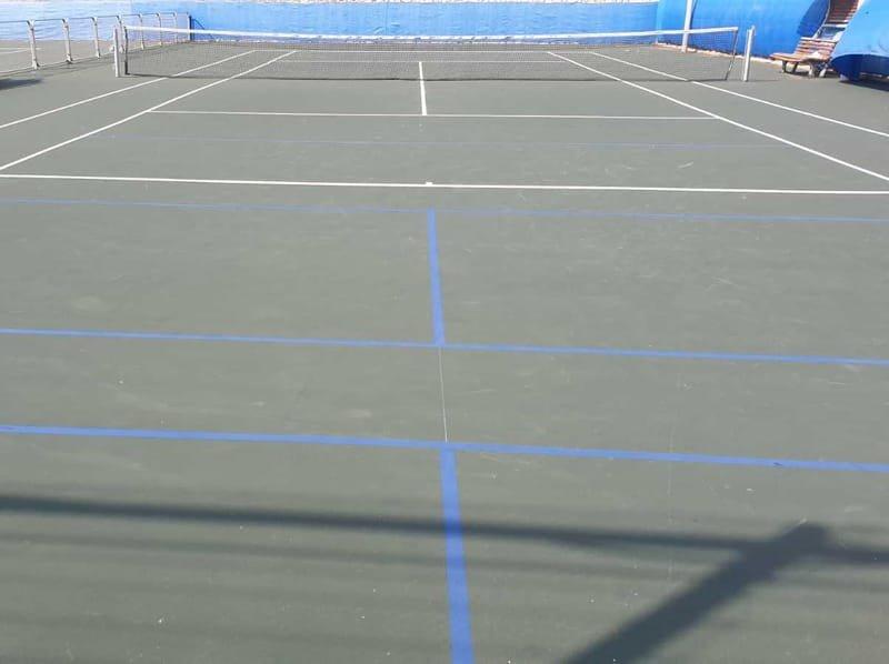מגרש טניס ניר צבי