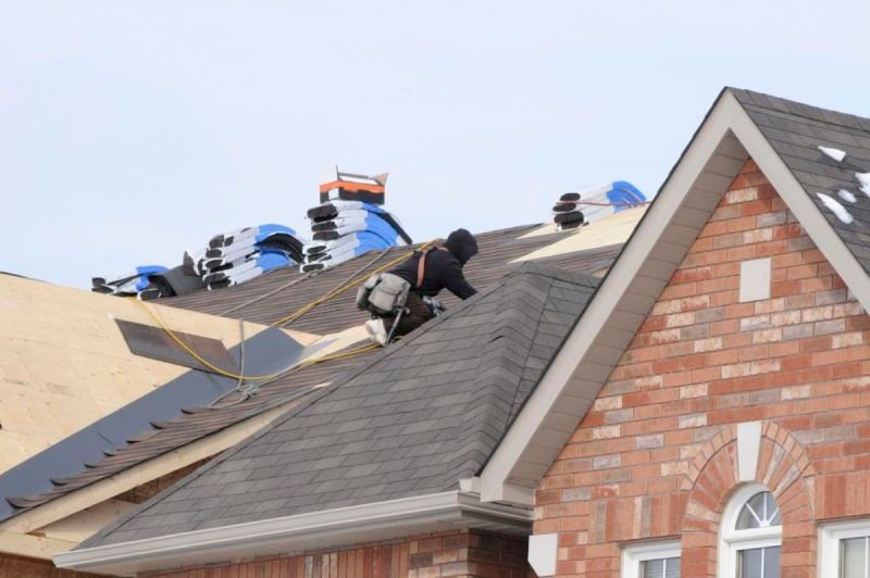 Some Of The Things That You Need To Consider When Hiring A Roof Contractor