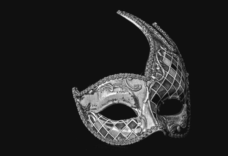 Pre-cut mask to decorate