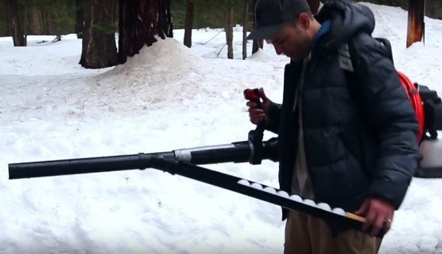 Guidelines to Help in the Purchase of the Best Snowball Thrower