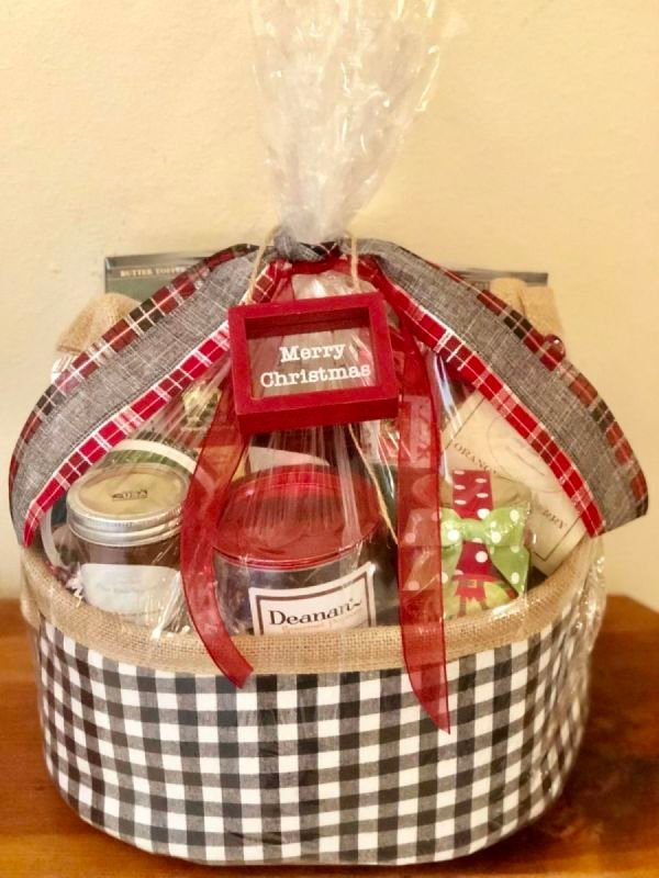 $100 Christmas Gift Baskets