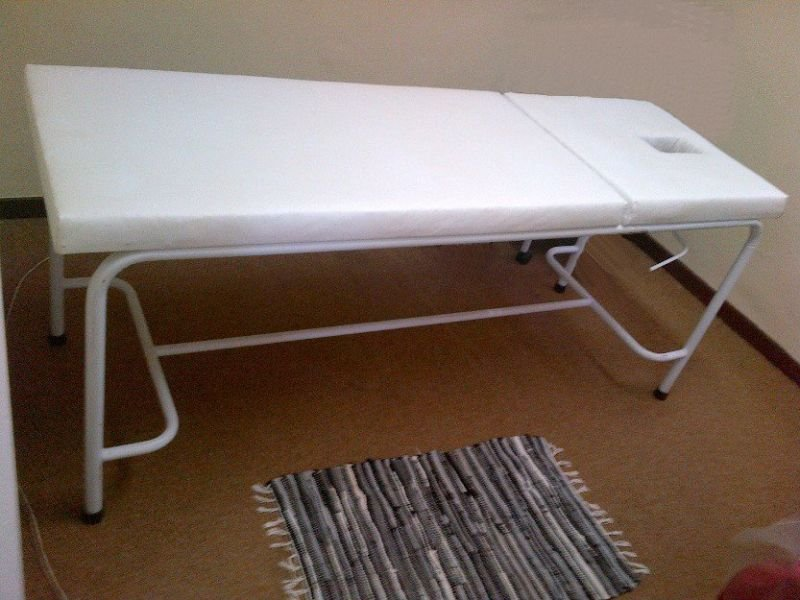 Massage beds for sale pretoria kiddies dressing table r for Second hand beauty equipment
