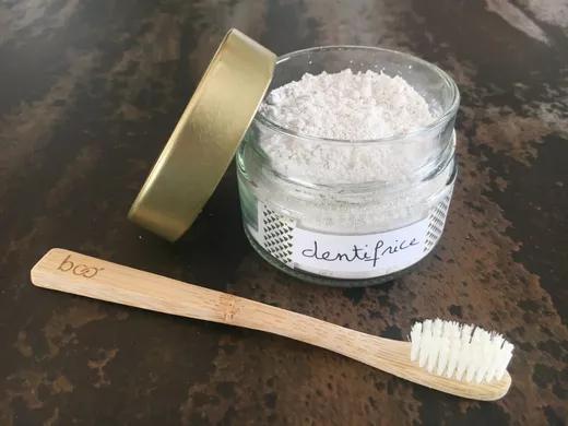 Recette dentifrice maison zéro déchet en poudre | MAMAN ...