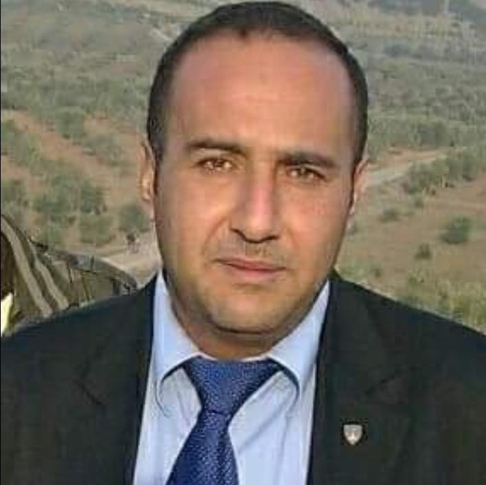 الاستاذ أحمد علي