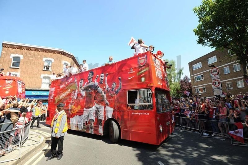 Open Top Bus wrapped in Arsenal Colours
