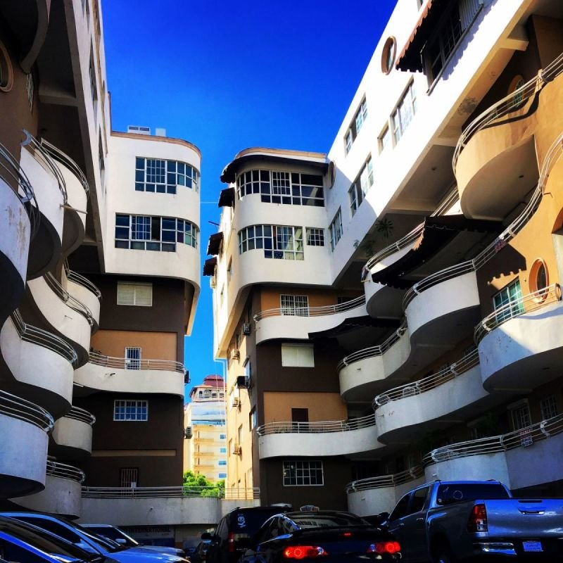 Santo Domingo Apartments, photo by Jack Loomes