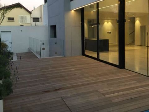 חיפוי ריצפה פנימי וחיצוני בבטון אדריכלי