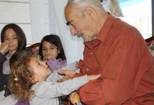 יובל וסבא דוד רוזנטל ז״ל (צילום: מתוך אלבום פרטי)