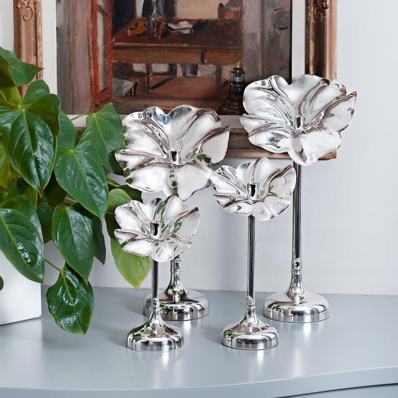 Flor silver candlesticks by De Vecchi