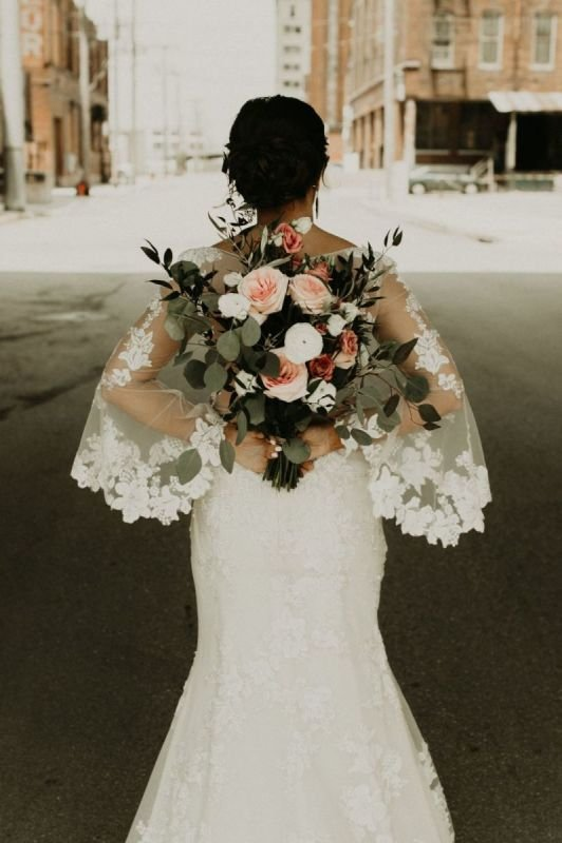 Garden style bride's bouquet