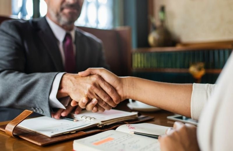 Guidelines for Selecting a Qualified Lawyer