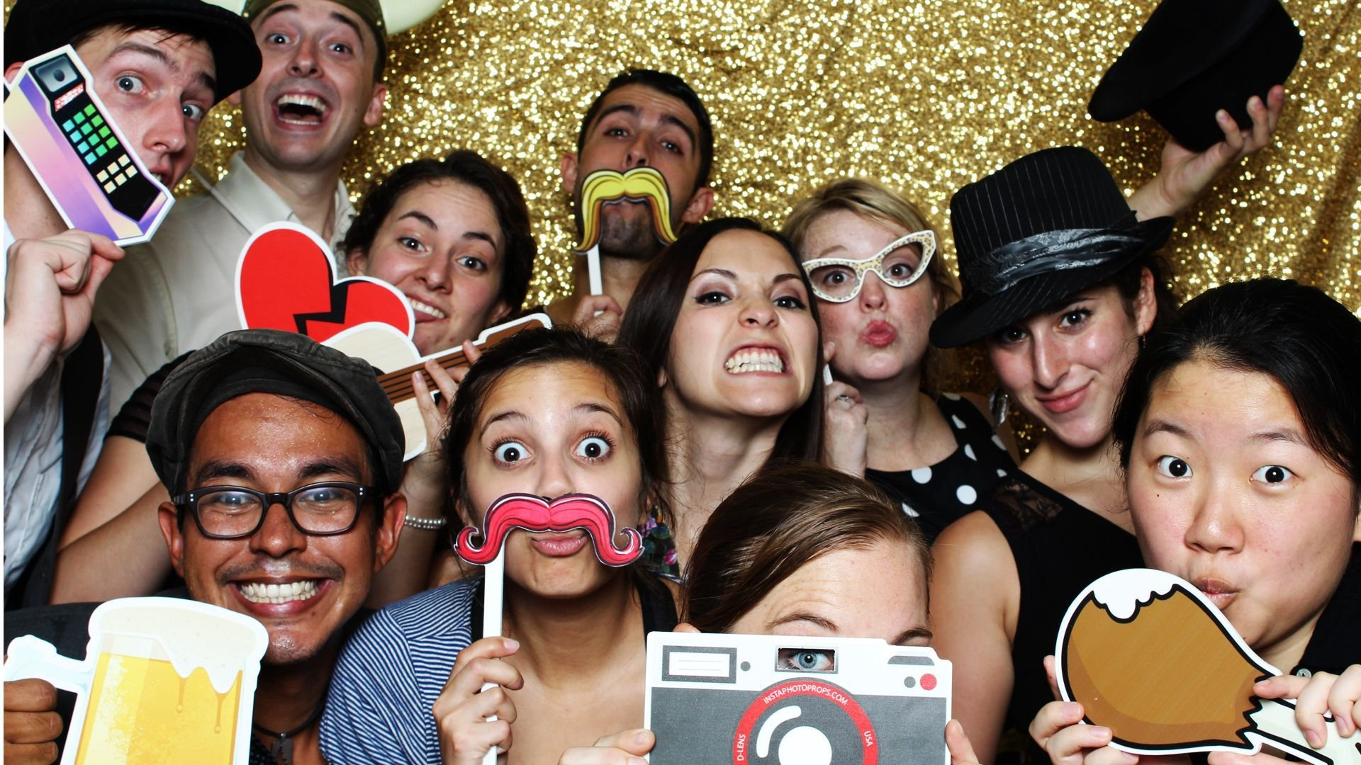 Mirror Photo Booths | Linch Display