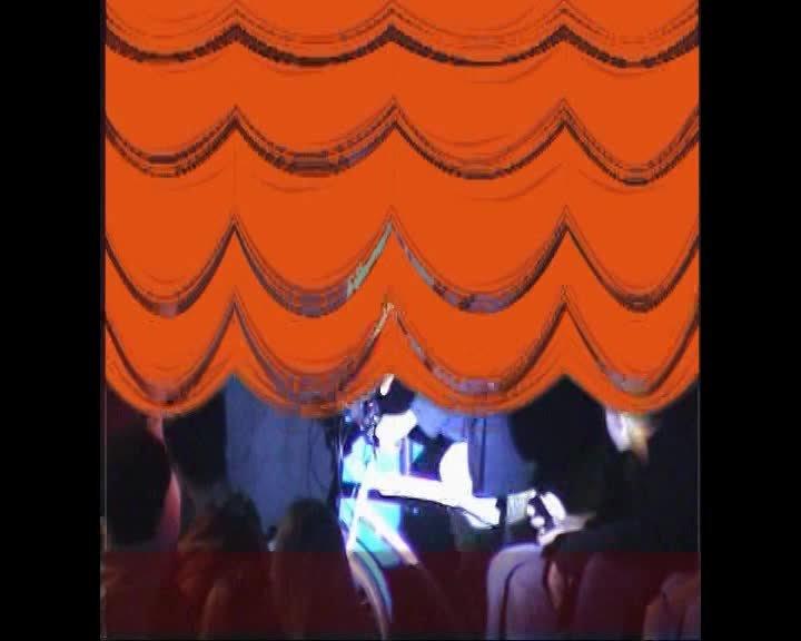 1er festival 2004 et première apparition du facteur