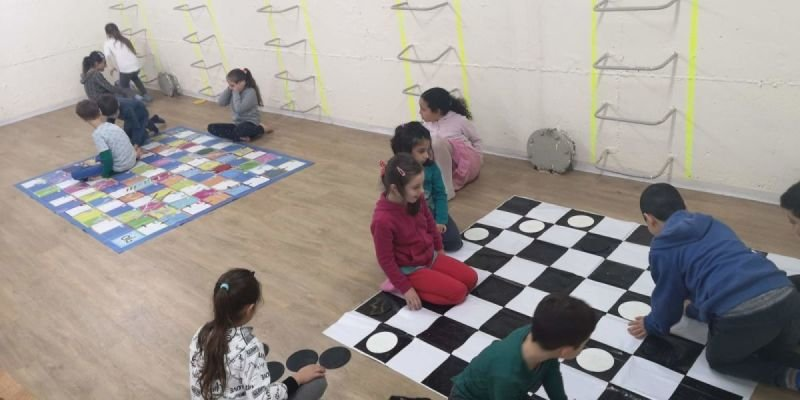 משחקי רצפה ענקיים