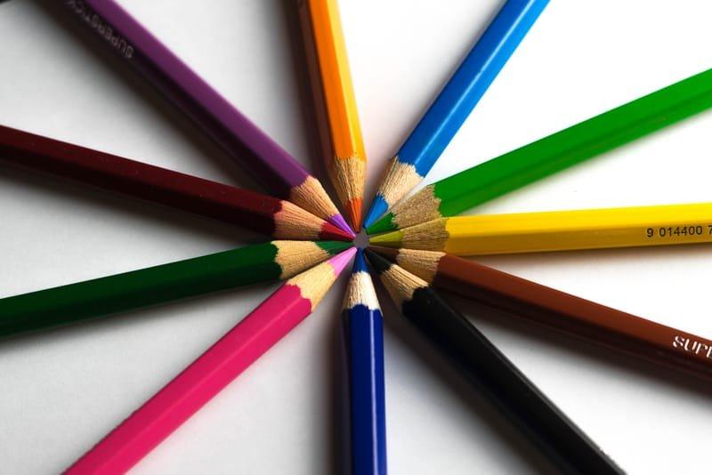 Творческие занятия по интересам  ( лепка, рисование, аппликация, конструирование)
