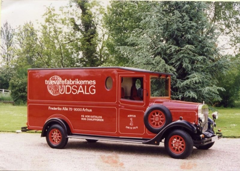 Asquith Van - Trævarefabrikernes UDSALG (Denmark)