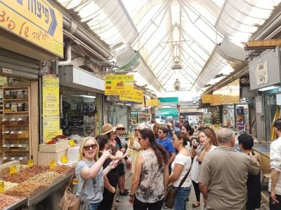 A culinary tour in the Mahane Yehuda market.