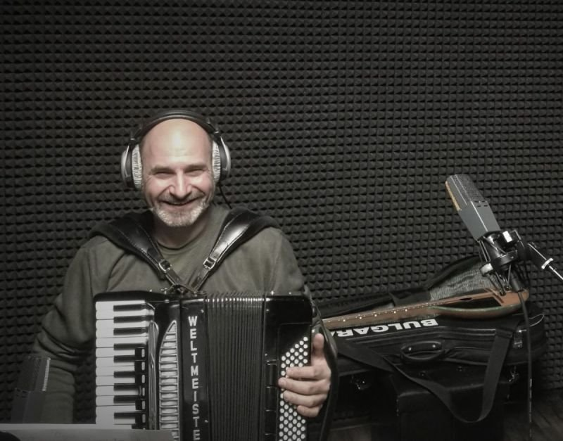 Dimitar Tishelov - accordeon player