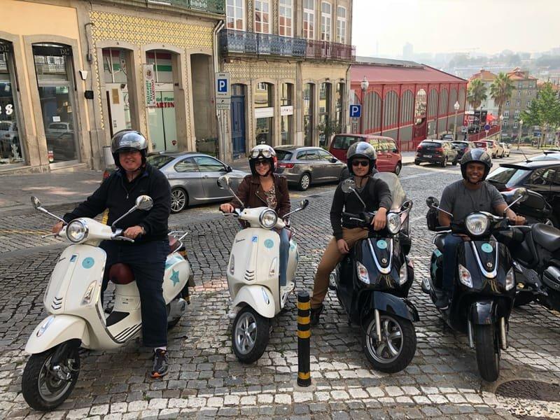 Sardinhas Scooter TOURS