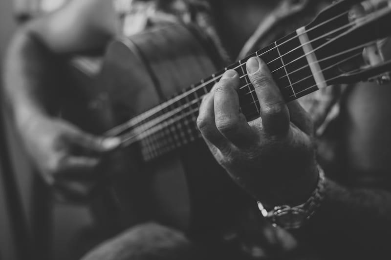 גיטרה קלאסית / חשמלית