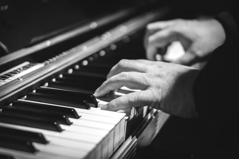 פסנתר ואורגנית