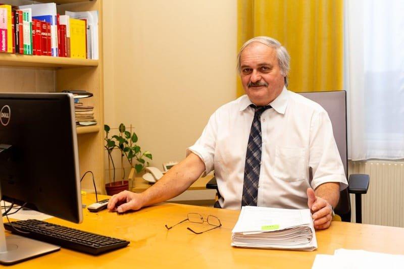 Dr. Herwig Ernst