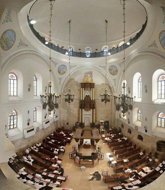 בתי כנסת  לטקס עליה לתורה ברובע היהודי ובכותל