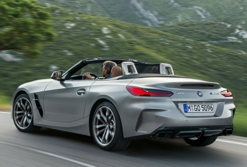 BMW Z4 ganha versão de 340 CV a partir de R$ 384.950